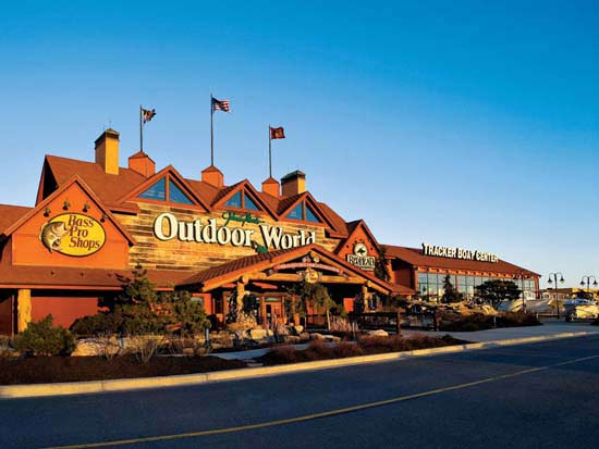 Hanover md sporting goods outdoor stores bass pro shops for Fish store baltimore