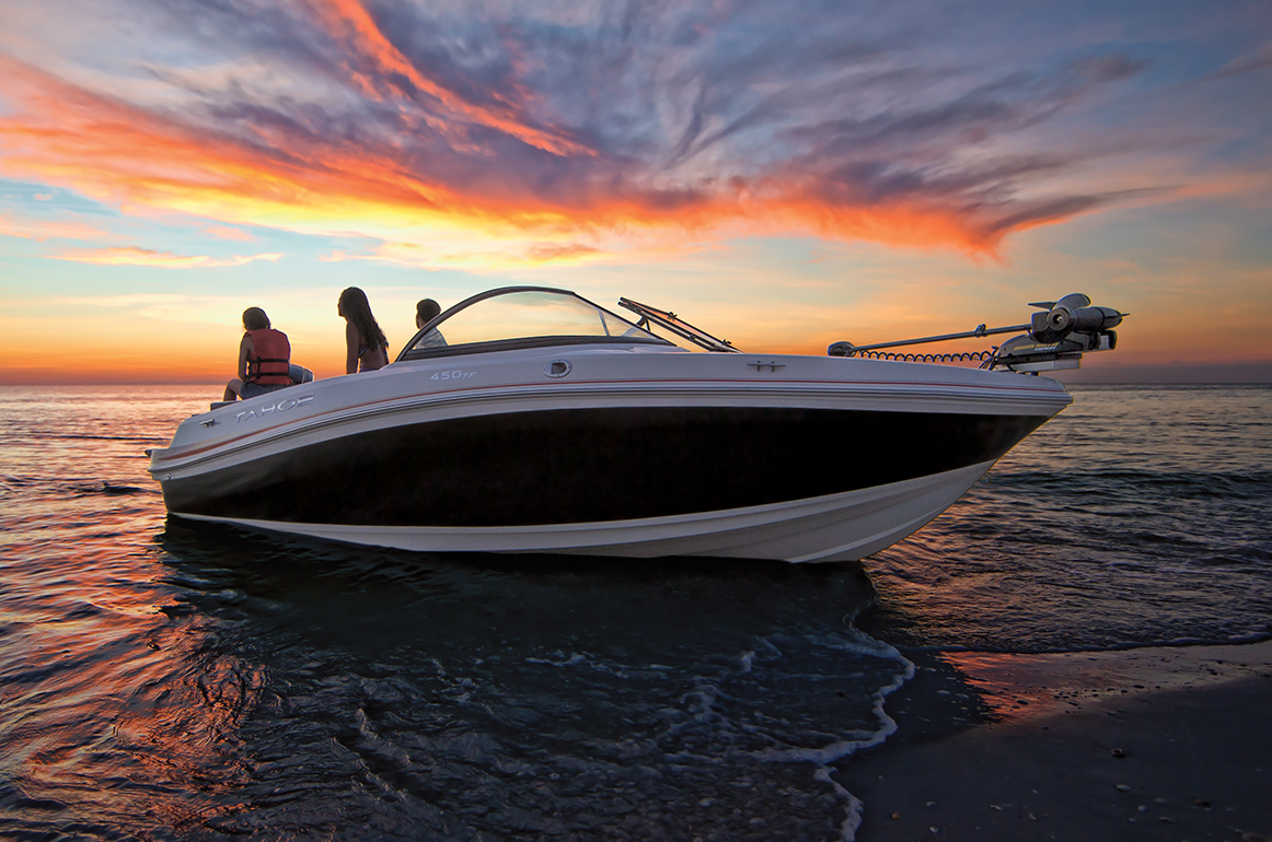 Tahoe - Family Runabouts & Deck Sport Boats
